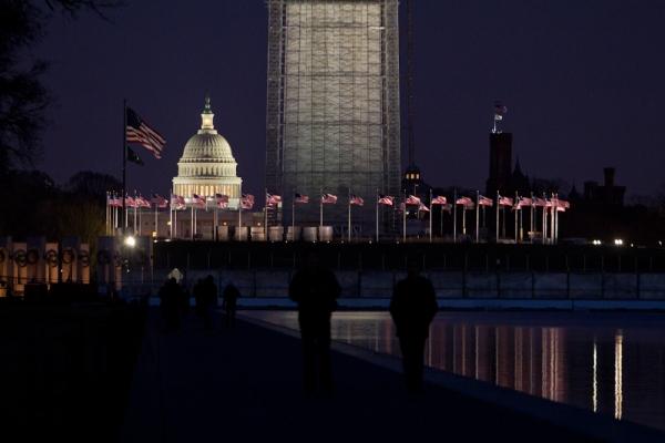 World War II Memorial, Washington Memorial, White House